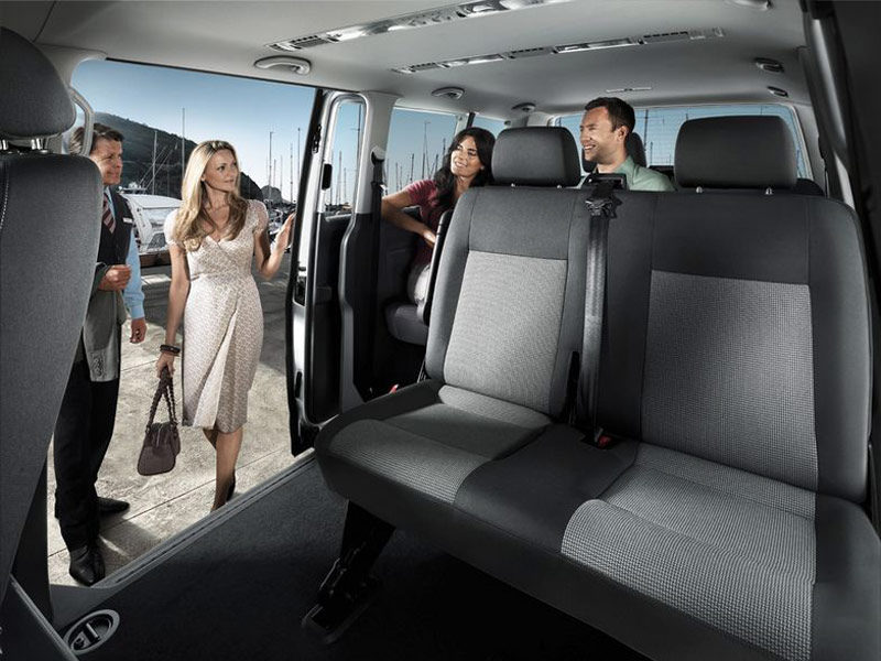 malaga airport taxi space